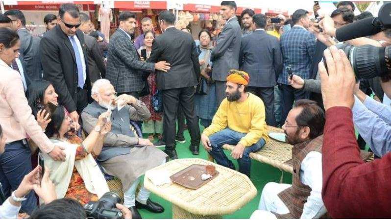 PM Modi having kulhar chai